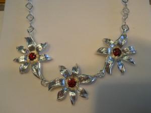 Collana argento fiori e tormaline