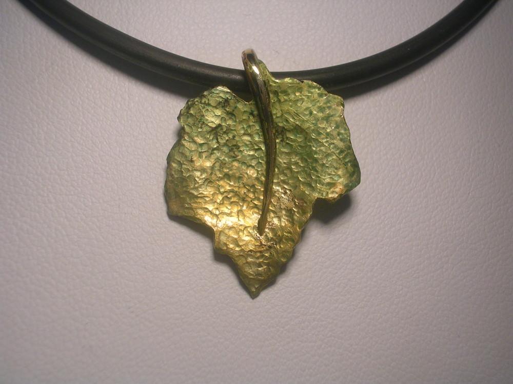 pendente oro giallo e smalto (1)